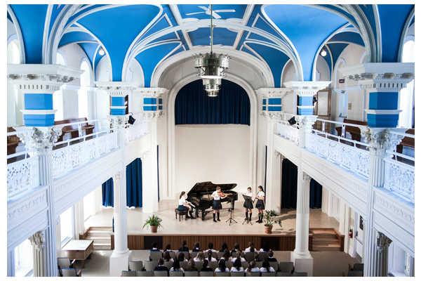 <p>8 mai 2016 – 18H00 – Levée de fonds</p><p> Lieu: École de musique Vincent-d'Indy</p><p> 628, chemin de la Côte-Sainte-Catherine, Outremont, Québec H2V 2C5</p>